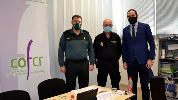 Policía Nacional y Guardia Civil informan a los farmacéuticos sobre medidas de seguridad ante posibles estafas y falsificaciones